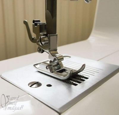 Pattintós varrógép talp felhelyezése