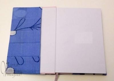 A napló borító kártyatartós belső fele